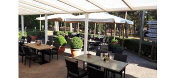 De terras en restaurant zijn open van woensdag tot en met zondag. Kom gezellig genieten van een drankje en er is altijd iets lekkers te eten.